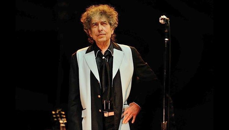 ادای احترام به بزرگ مرد موسیقی راک: باب دیلن