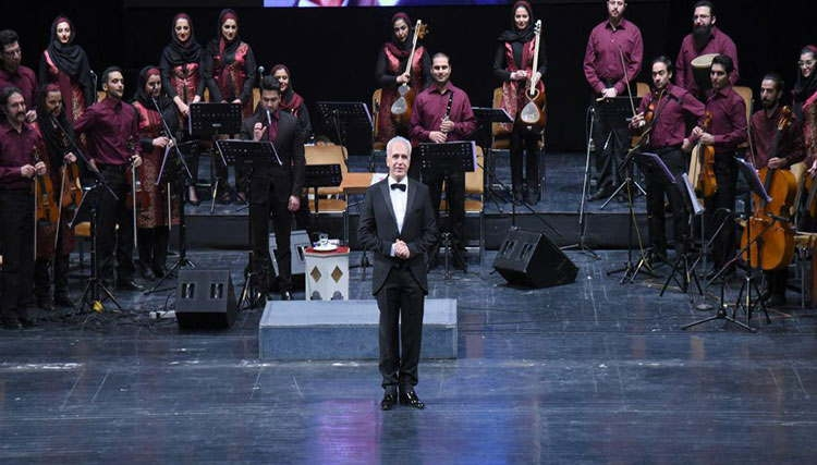ارکستر ملی مهر به روی صحنه میرود