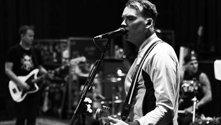 هر آن چه تاکنون از آلبوم جدید Blink-182 می دانیم