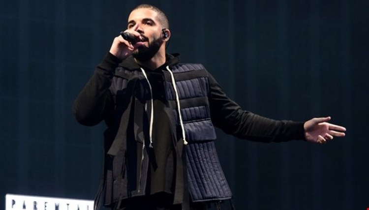 Drake در حال کار بر روی Mixtape جدید است