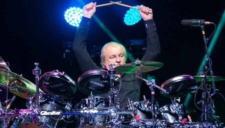 آلن وایت نوازنده گروه Yes برای مدتی از گروه جدا می شود