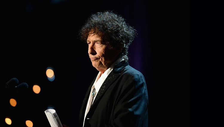 فروش نجومی آثار باب دیلن پس از دریافت جایزه نوبل