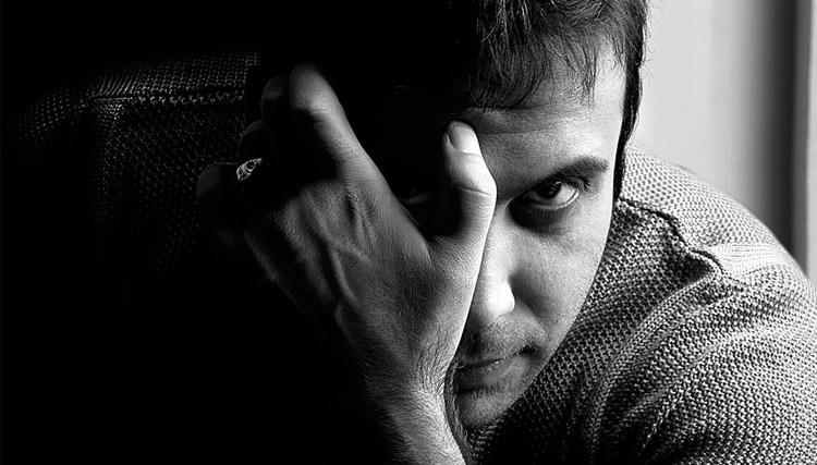 شهرام آذر: صدای محسن چاوشی ساختگی و کامپیوتری است!