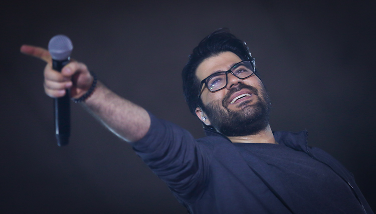 جشنواره نوروزی نور با اجرای حامد همایون آغاز شد
