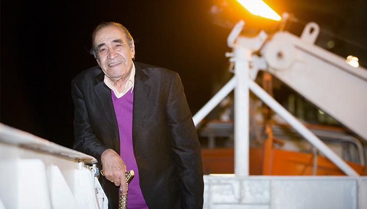 اجرای زنده ایرج در کشتی اقیانوس پیمای «سانی»