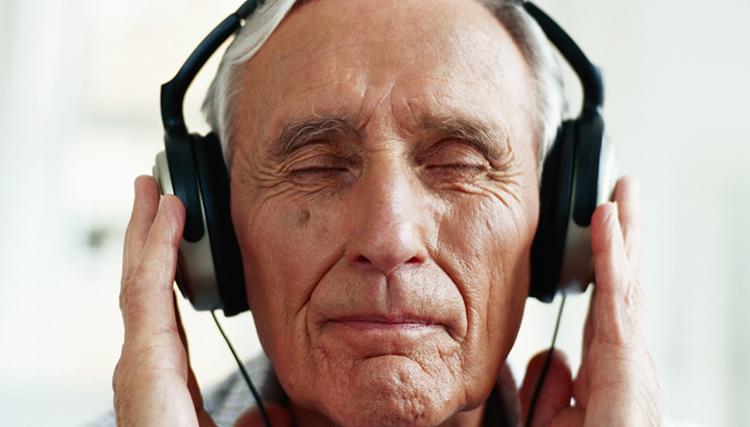 چرا انسان ها از شنیدن موسیقی لذت میبرند؟