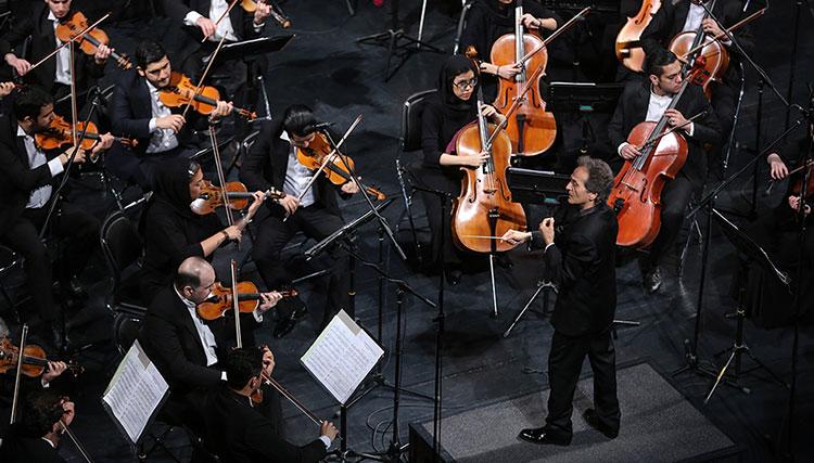 چرا رهبر ارکستر از اجرای پارتیتورهای جدید شانه خالی میکند؟