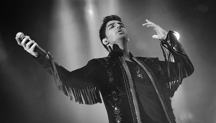 فرزاد فرزین بخشی از درآمد کنسرتهایش را به زلزلهزدگان اختصاص داد