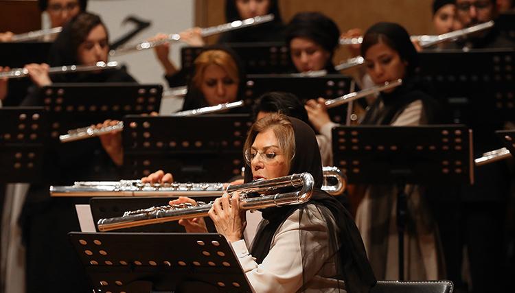 کنسرت کر فلوت تهران به سرپرستی فیروزه نوایی در تالار رودکی