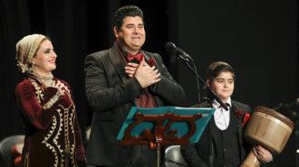 سالار عقیلی با نوازندگی همسر و فرزندش روی صحنه رفت!