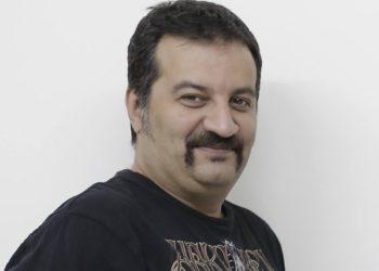 شوخی مهراب قاسمخانی با تلفظ موزه لوور و موجودی حساب وزیر/ عکس