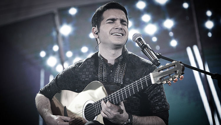 محسن یگانه به بیمارستان منتقل شد / لغو کنسرت این خواننده در رامسر
