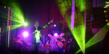 سیامک عباسی در همدان روی صحنه رفت