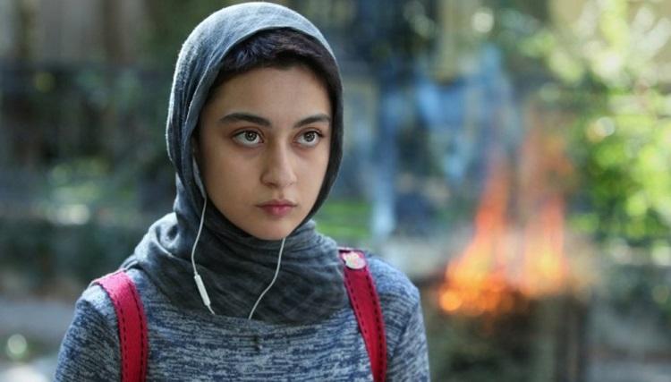 شلوار عجیب نگار مقدم بازیگر زن ایرانی در جشنواره فجر + عکس ها