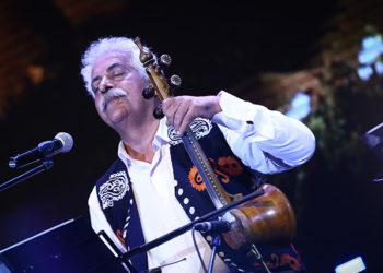 نخستین کنسرت موسیقی لری در سالن میلاد نمایشگاه تهران
