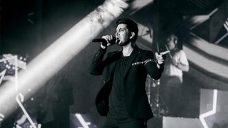 کنسرت فرزاد فرزین پس از بازی ایران – مراکش در روسیه