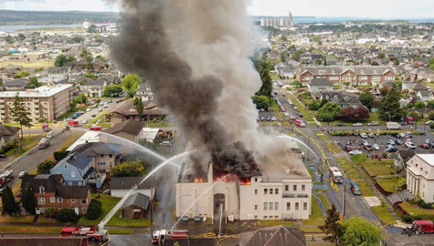 وسایل به جا مانده از کرت کوبین در آتش سوخت