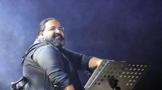 رضا صادقی با ارکستر جدید در برج میلاد روی صحنه رفت
