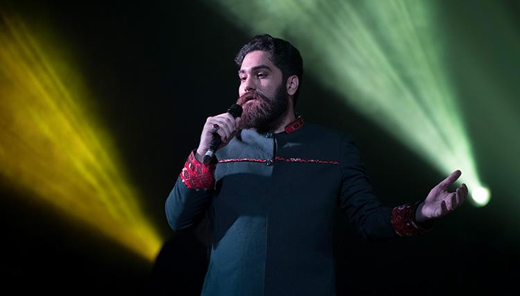 علی زندوکیلی در گرگان روی صحنه رفت