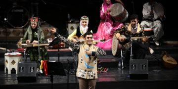 کنسرت گروه روناک با حضور چهرههای سرشناس سینما برگزار شد