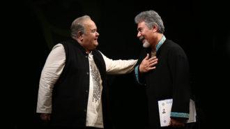 اهدای دکتری افتخاری به ودود موذن با حضور اکبر عبدی