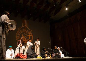 مراسم افتتاحیه پنجمین دوره از فستیوال «آینهدار» برگزار شد/ طنین سحرانگیز نغمههای اقوام ایرانی در تالار رودکی