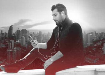 «شهر دیوونه» منتشر شد/ احسان خواجه امیری آلبوم جدیدش را به افشین یداللهی تقدیم کرد