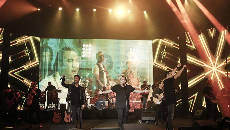 گروه سون در قالب جشنواره موسیقی فجر روی صحنه رفت