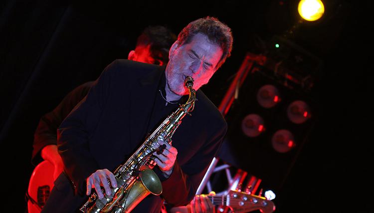 نوازنده سرشناس برزیلی در تهران روی صحنه رفت