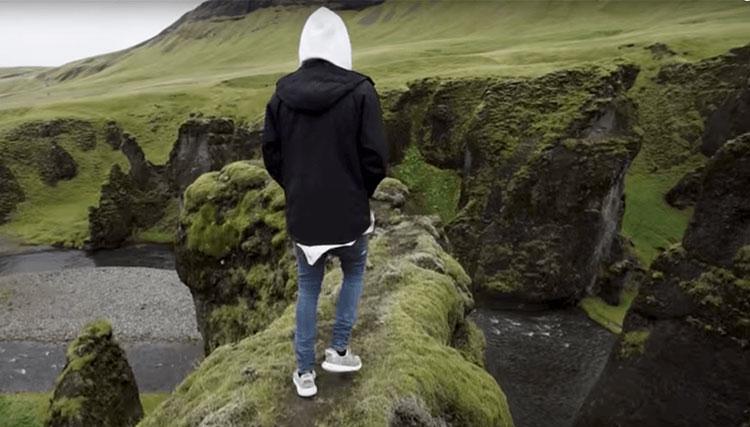 مسدود شدن درههای ایسلند به دلیل هجوم هواداران جاستین بیبر!