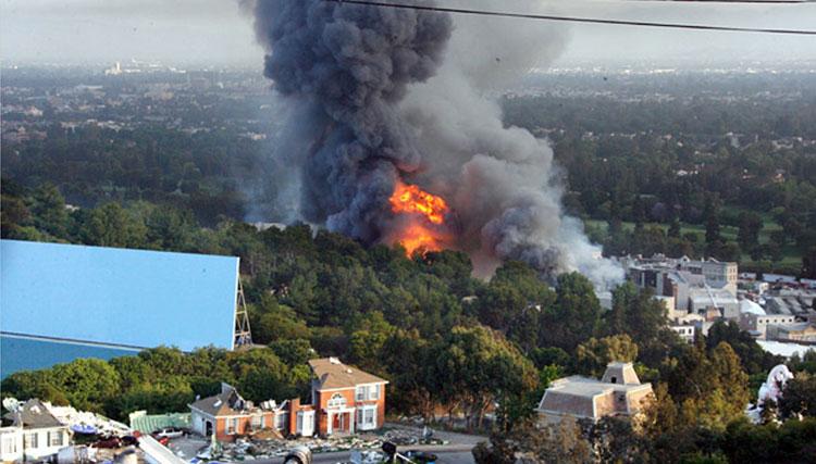 ده سال پس از آتش سوزی یونیورسال استودیو اعلام شد: نسخههای آثار امینم سالم هستند!