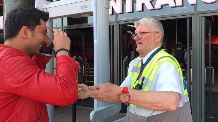 فرزاد فرزین در استادیوم الدترافورد