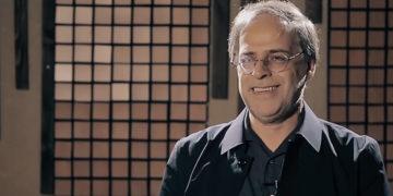 عبدالجبار کاکایی: شاد کردن دلِ ملتِ افسرده با موسیقی تفننی امکان پذیر نیست!
