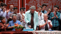 سورپرایز حسین علیزاده به مناسبت تولدش /نشست رسانهای سیزدهمین جشنواره موسیقی جوان