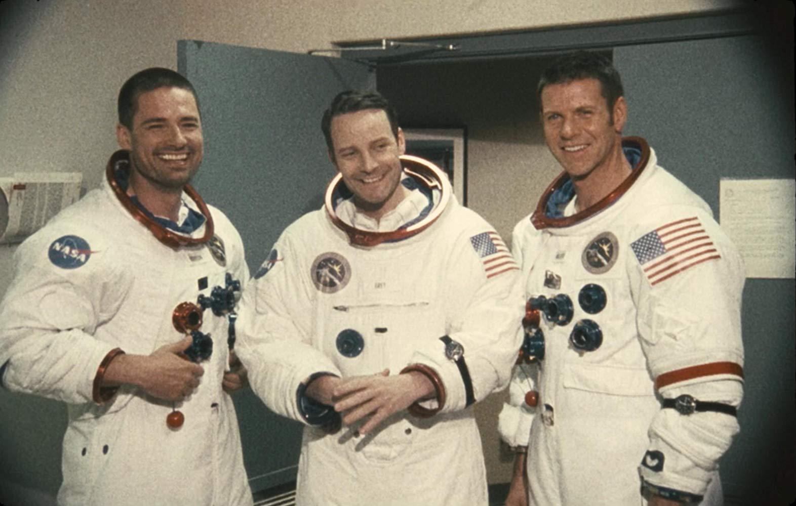دانلود فیلم آپولو ۱۸ (Apollo 18 2011) با زیرنویس فارسی